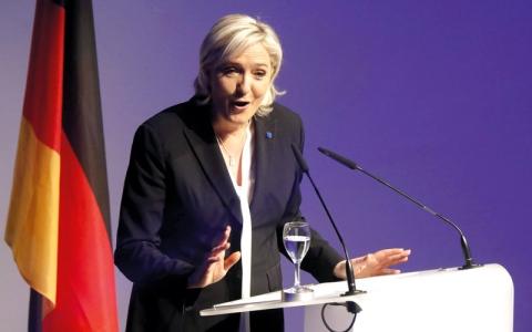 مارين لوبن تتوقع «يقظة» شعوب أوروبا في 2017