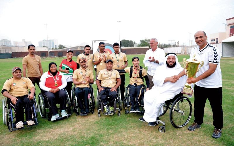 تتويج أبطال القوس والسهم في «دبي للمعاقين»