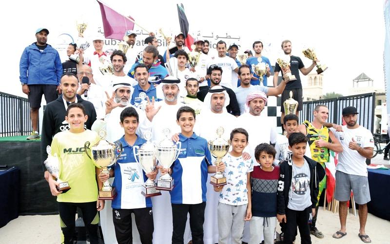 العوضي نجم سباق دبي للدراجات المائية