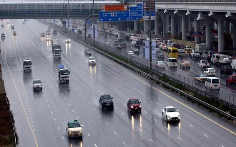 الصورة: بالفيديو.. سقوط أمطار غزيرة ومتوسطة على مناطق متفرقة في الدولة