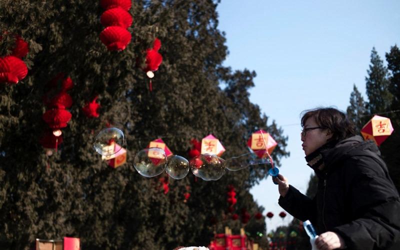 """الصينيون يحتفلون بعام """"الديك"""""""