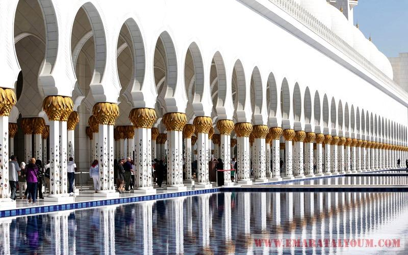 مسجد الشيخ زايد الكبير في العاصمة أبوظبي