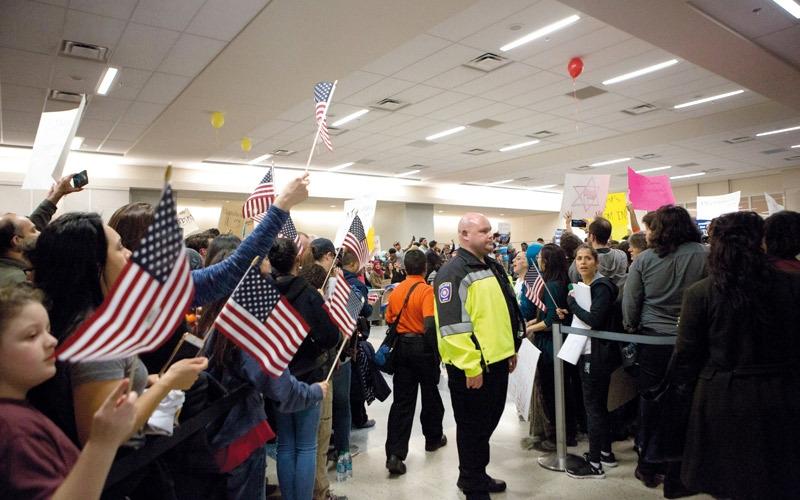 مرسوم ترامب وسيلة «عقيمة» لاستبعاد  المتطرّفين من أميركا