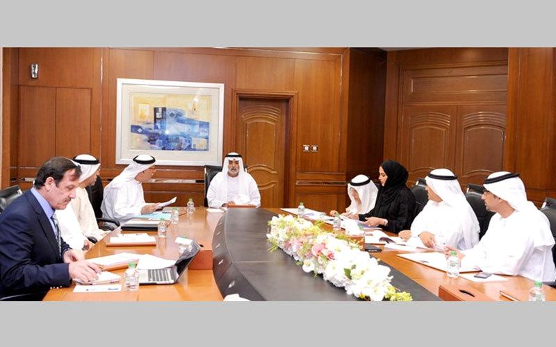 نهيان بن مبارك يدعو إلى خطة لتطوير تعليم «العربية»
