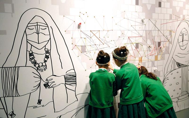 «إرثي».. 100 طفل يتعلمون الحرف الإماراتية يومياً