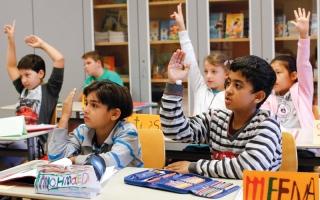 مدارس فرنسية تحضّر أطفالاً مهاجرين للعبور إلى بريطانيا