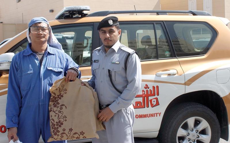 شرطة عجمان تنفذ «كسوة الشتاء»