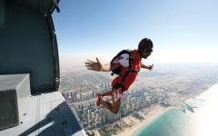 دبي من السماء... مدينة لعشاق المغامرات والرياضات الجوية