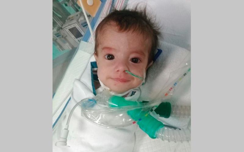 «دبي الإسلامي» يتكفّل بعلاج الرضيع «محمد»