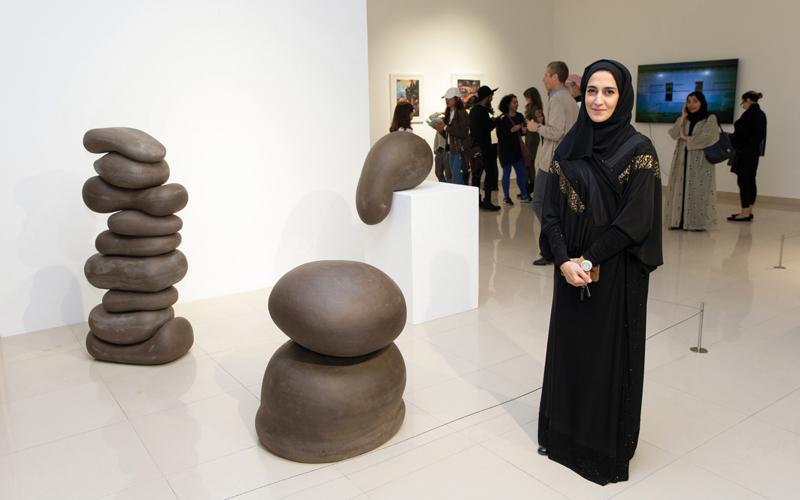 «ذهبيات».. كنز بصري لجيلين   من فناني الإمارات - الإمارات اليوم