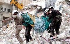 الصورة: دمشق تندد بإجلاء «الخوذ البيضاء» عبر إسرائيل وتصفه بـ «العملية الإجرامية»
