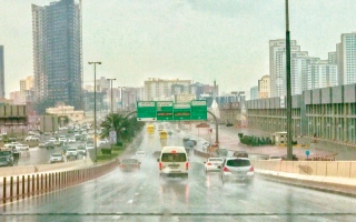مئات الحوادث المرورية البسيطة شهدتها الدولة بسبب الأمطار