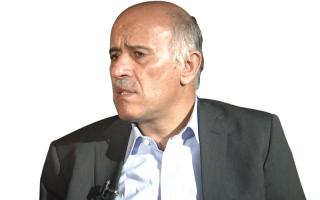الصورة: مصر تمنع جبريل الرجوب من دخول أراضيها