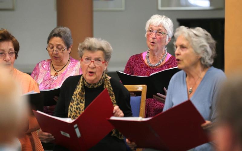 الغناء مفيد لمرضى الانسداد الرئوي المزمن