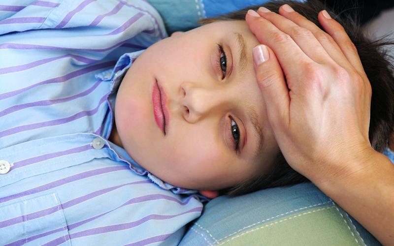التهاب الحلق العقدي يهاجم الأطفال أواخر الشتاء