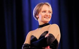 ابن مسؤول في الكرملين يشرف على مدرسة رقص لابنة الرئيس بوتين