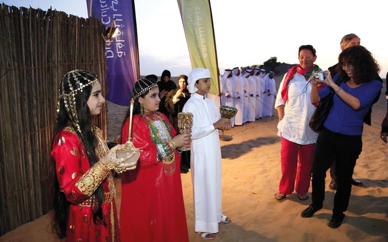 «دبي للثقافة» و«الإمارات للآداب»  في «أعماق الصحراء»
