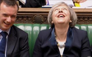 قهقهات تيريزا ماي تلفت انتباه  البرلمان البريطاني