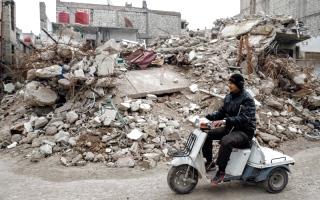 فرنسا تطالب روسيا وإيران بضمان الهدنة في سورية