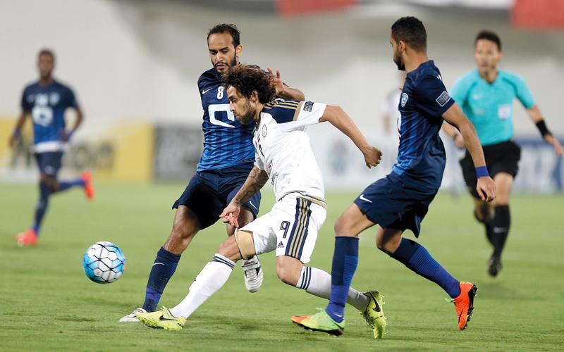 الهلال بعشرة لاعبين يرفض الخسارة أمام الوحدة الإماراتي