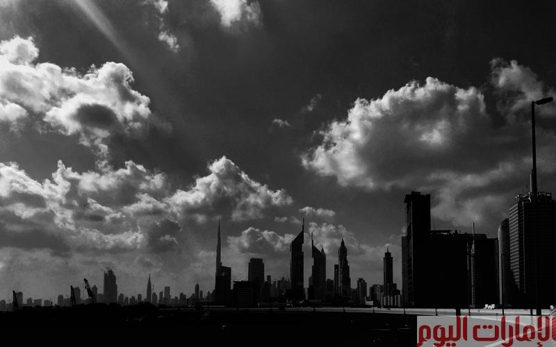 دبي بالأبيض والأسود