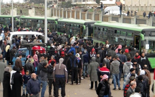 بدء إخراج المعارضة من آخر معاقلها في حمص