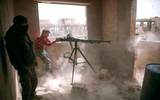 غارات كثيفة للنظام ومواجهات شرق دمشق