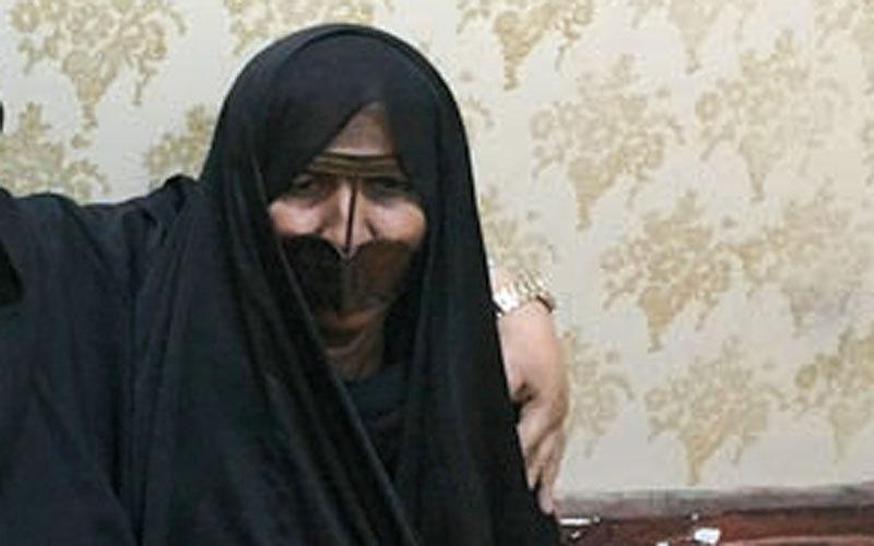 «أم الشهيد» راشد اليماحي فقدت أخاها شهيداً أيضاً في اليوم نفسه.  الإمارات اليوم