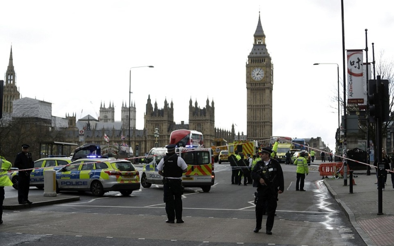 قتلى وجرحى في  إطلاق نار امام  البرلمان البريطاني