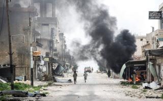 القوات الأميركية تنفذ إنزالاً جوياً قرب الرقة