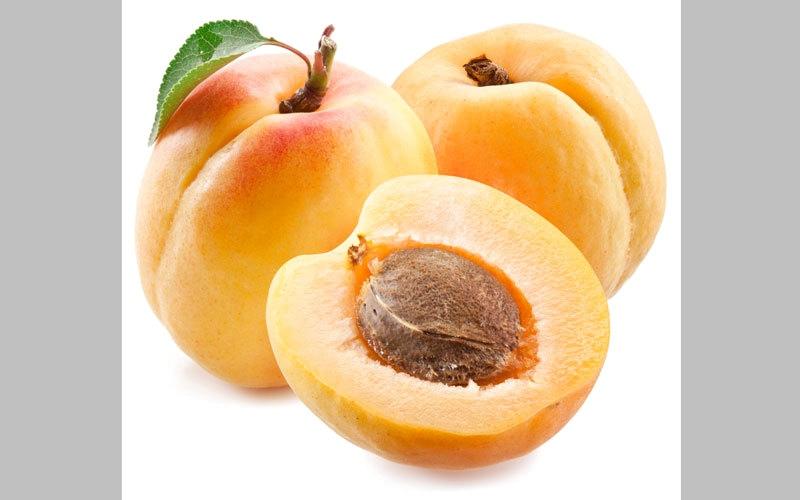 «أبوظبي للرقابة الغذائية» ينفي شائعة «سمية» نواة المشمش