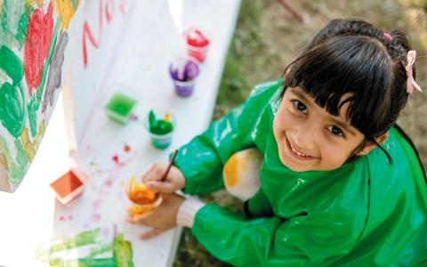 «مهرجان أم الإمارات».. ورش ضخمة لصناعة البهجة وإسعاد الناس