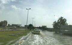 أمطار الفجيرة بين المتوسطة والغزيرة