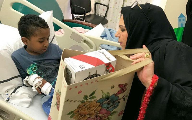 «ترجمان الخير» يوزّع هدايا الأمل على أطفال قسم السرطان