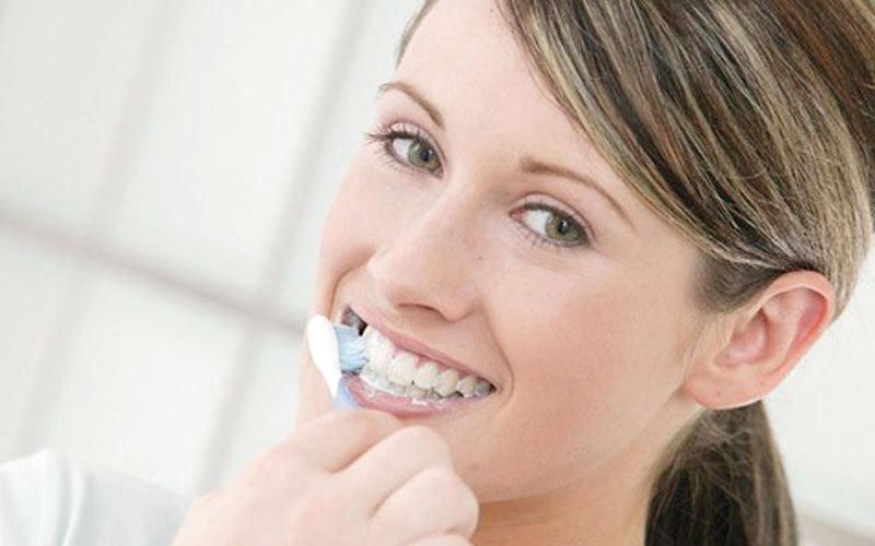 معجون الأسنان الحساسة.. كعلاج