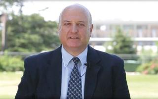 سفير إسرائيل يُنقذ دون قصد ابنة عبدالناصر من محاولة «تشويه»