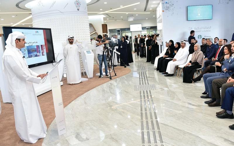 الرومي: الإمارات انتقلت من مرحلة رضا المتعاملين إلى إسعادهم