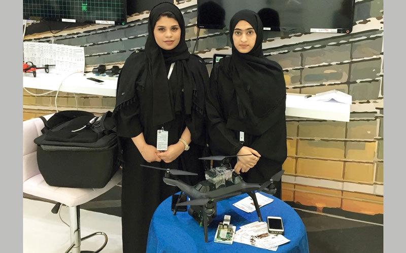 3 طالبات يبتكرن «روبوت» لإنقاذ العالقين تحت الأنقاض