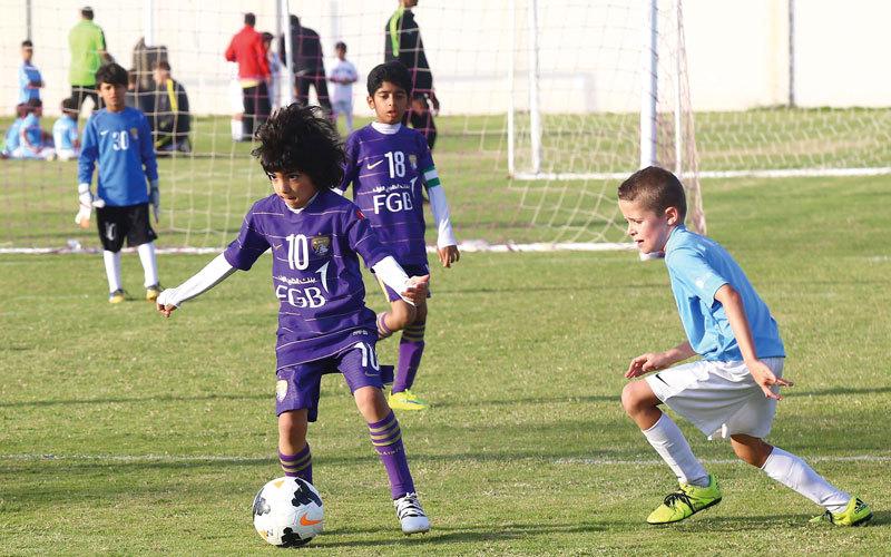 مطلوب لاعبين كرة قدم في الإمارات