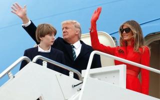 بارون ترامب يخطط   لسهرة مع أصدقائه  في البيت الأبيض