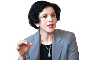 «المستشارة الخفية» تدعم المرشح اليميني فرانسوا فيون