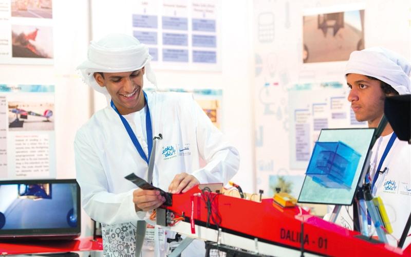 820 طالباً يقدمون 300 مشروع   علمي في «بالعلوم نفكر»