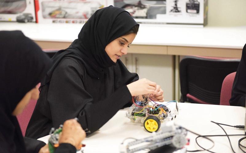 «طموح» تحوّل أفكار الطلبة   إلى مشاريع تجارية