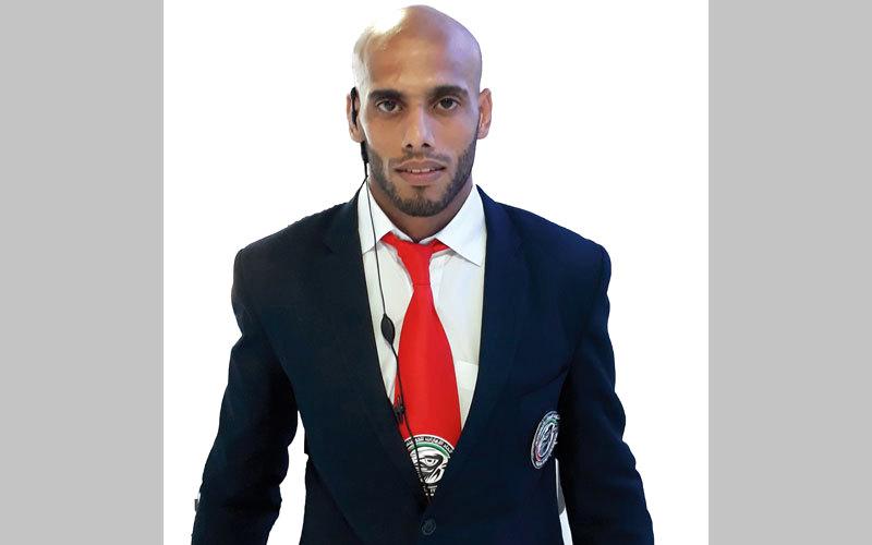 لاعب الجوجيتسو إبراهيم الحوسني يدرب عجمان ويحكم في بطولة أبوظبي. الإمارات اليوم