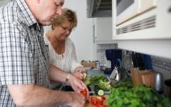 ما التغذية المناسبة للمسنين