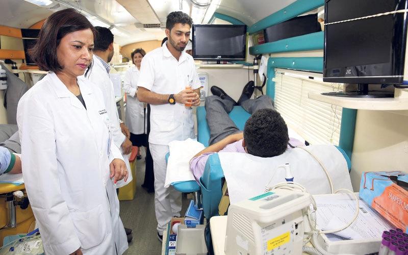 «صحة دبي» تطلق حافلة للتبرع بالدم