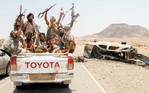 الجيش يعلن غرب تعز مناطق عسكرية ويبدأ تحرير «البرح»