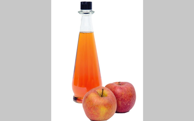 خل التفاح.. حل لمشكلات الشعر