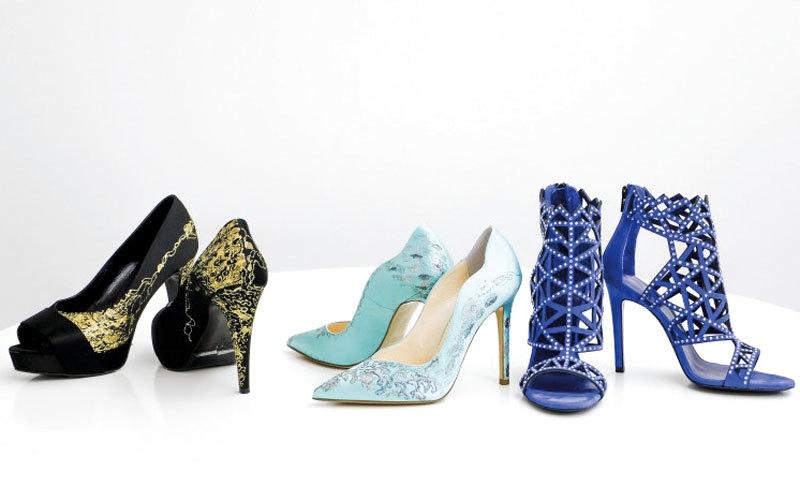 حذاء نسائي من الألماس والذهب في دبي