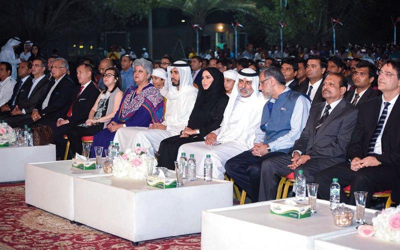 نهيان بن مبارك: الإمارات أحرزت تقدماً لحقوق العمال يشهد به العالم